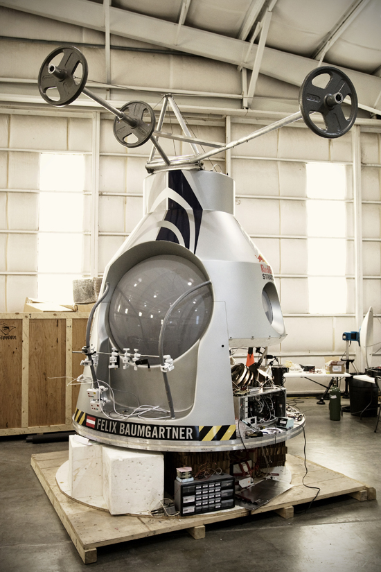 Rogue Mag - Red Bull Stratos Project - The capsule - Development