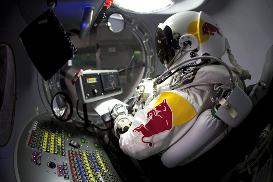 Rogue Mag - Rd Bull Stratos Project - Felix Baumgartner (AUT) - Brooks Test