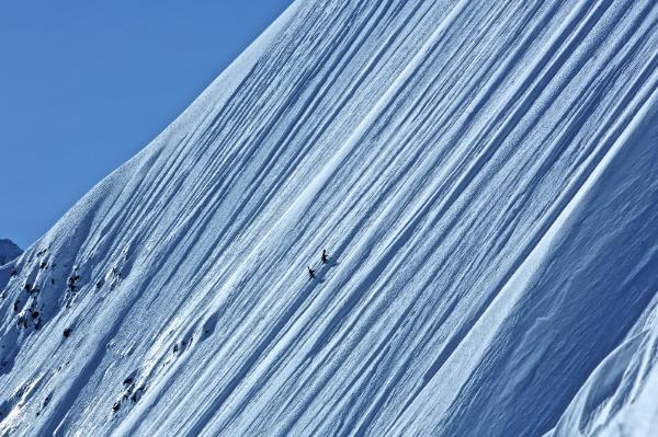 Rogue Mag Snow  - Trailer to Jeremy Jones' new movie 'Higher' released