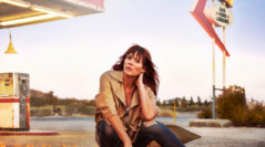 Beth Hart returns with a new studio album 'Fire on the Floor'